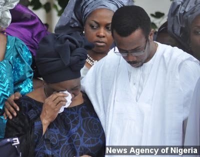PHOTO SPEAK:LATE ADMIRAL AUGUSTUS AIKHOMU BURIED IN HIS HOME TOWN