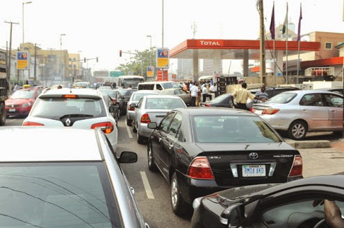 Oil Marketers suspend strike in Nigeria